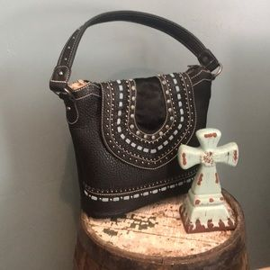 Western concealed carry purse. Montana West